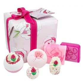 Bomb Cosmetics Rose Garden Gift Pack