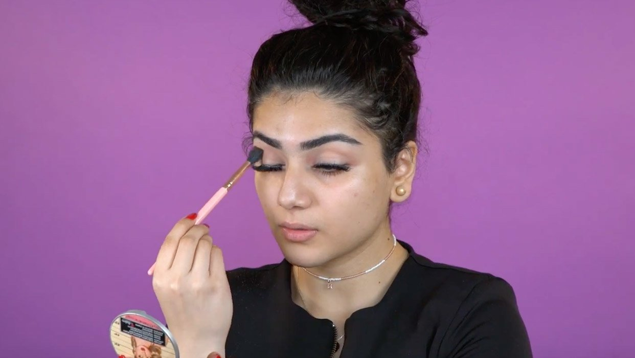 Makeup Tutorial by Manal Muffins